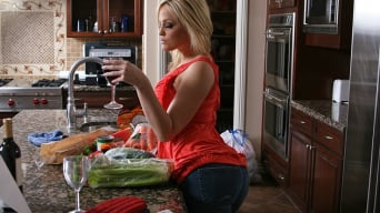 Alexis Texas in 'Cookin it Up With Alexis Texas'